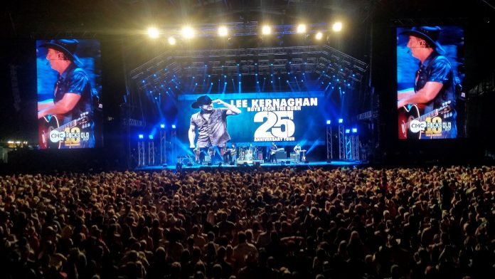 Lee Kernaghan - 25th Anniversary
